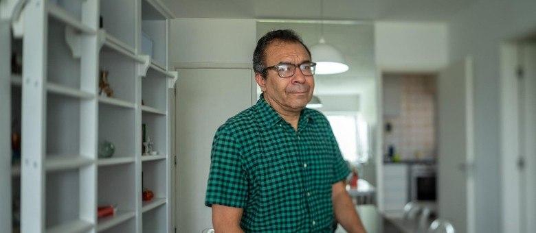 Gilvan de Souza, 54 anos, professor de Literatura readaptado na rede municipal (Cacalos Garrastazu/ eder content)