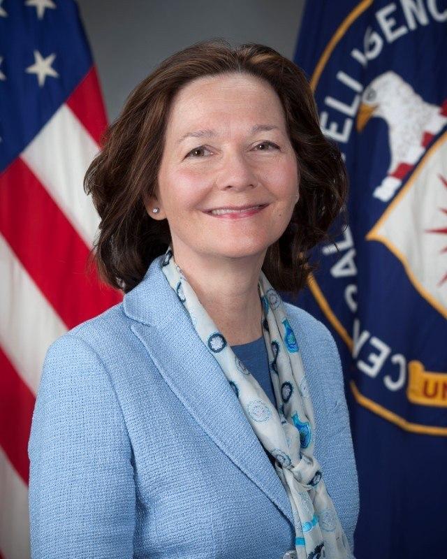 Trump escolhe polêmica Gina Haspel como nova diretora da CIA