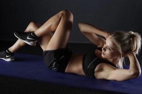 Fazer ginástica em casa é opção para entrar em forma