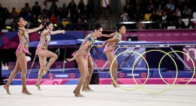 Quinteto brasileiro emociona público e conquista o ouro na ginástica rítmica