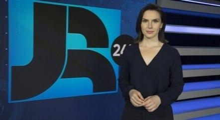 Giovanna Risardo é uma das apresentadoras do Boletim JR 24 Horas