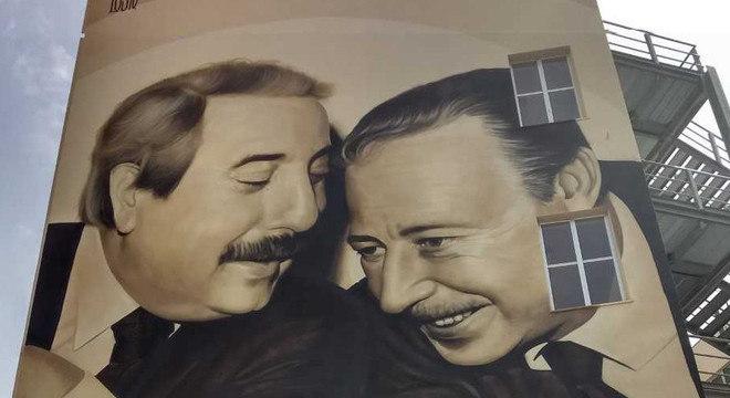 Giovanni Falcone e Paolo Borsellino juntos em pintura num prédio de Palermo