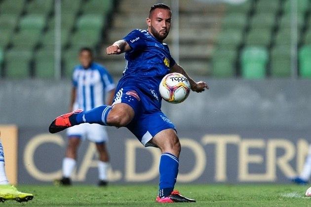 Giovanni - meia - 26 anos - atualmente defende o Cruzeiro na Série B do Brasileirão.