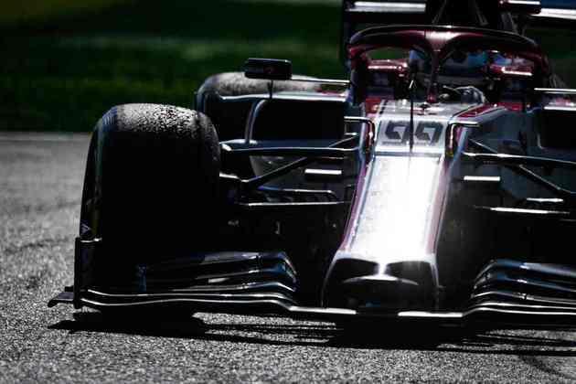 Giovinazzi em ação no GP da Itália de 2020. Italiano ficou apenas em 16º