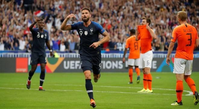 f89b2d726e Giroud marcou o segundo gol da seleção francesa na vitória sobre a Holanda