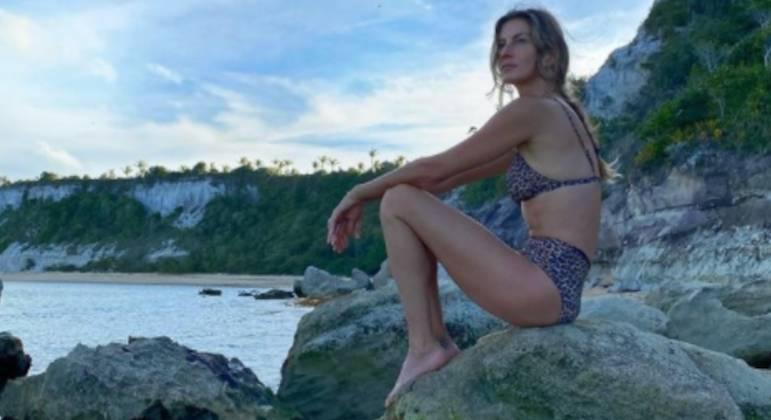 Gisele recarrega as baterias e exibe o relax em foto no Instagram