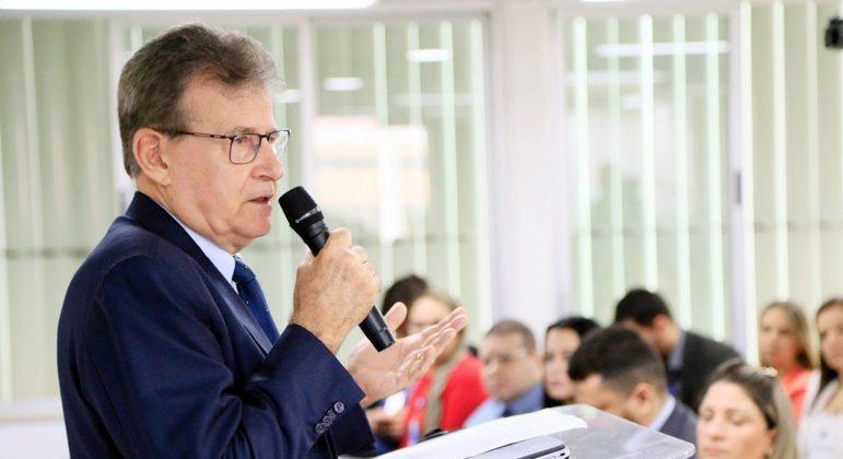 O general Gislei Morais de Oliveira em evento do Iges