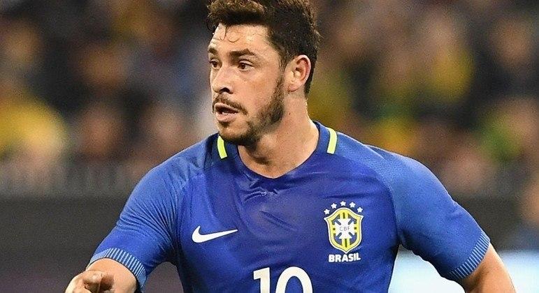Giuliano negocia com o Corinthians. O meia tem a aprovação de Sylvinho