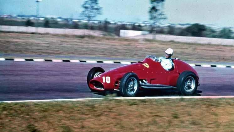 Giuseppe Farina venceu a primeira vitória da história da Fórmula 1. Logo, foi o primeiro recordista, claro. Mas não foi a única vez que ele liderou a estatística