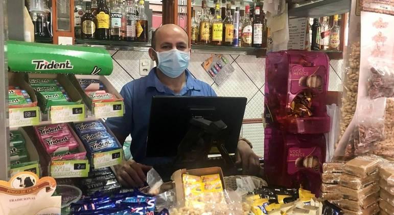 Givanildo B. de Lima, do  A.J. Bela Cintra, perdeu 30 pedidos que recebe por dia via WhatsApp