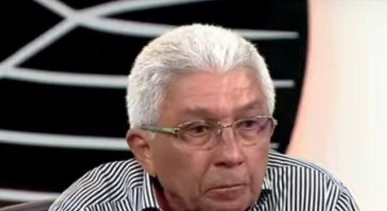 Givanildo é mais reconhecido nacionalmente como técnico, até pelo grande número de equipes que comandou, porém jogou pelo Corinthians na década de 1970.