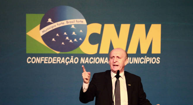 Glademir Aroldi, presidente da CNM, pediu o destravamento de obras e contratos