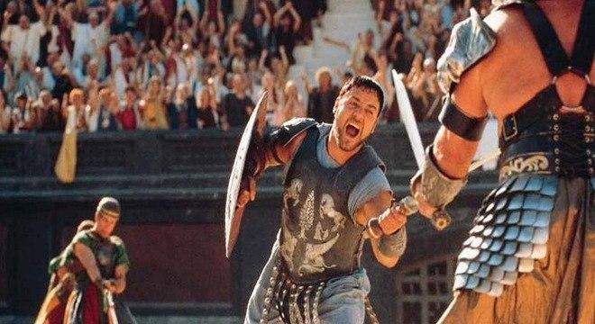 Russel vendeu a armadura que o personagem Maximus usou em Gladiador