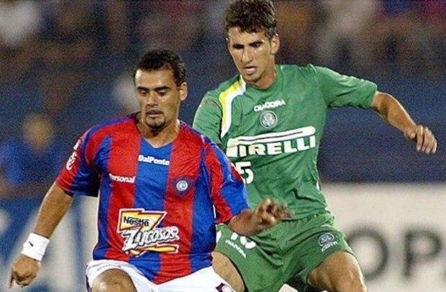Gláuber: zagueiro teve uma chance na Seleção, no amistoso contra a Guatemala, em 2005, na despedida de Romário.