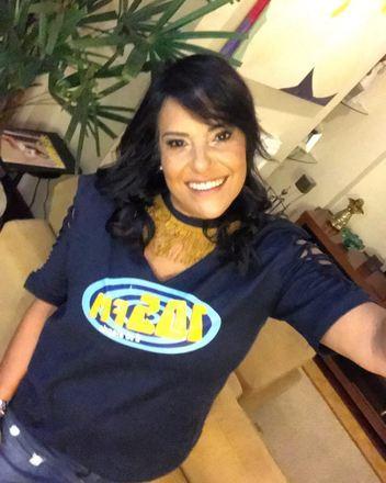 A radialista Gleides Xavier, que apresentava o programa Roda de Samba, na rádio 105 FM, tinha uma relação forte com o estilo musical. Nas redes sociais, ela compartilhava com frequência imagens ao lado de nomes conhecidos da música brasileira. Entre os amigos conhecidos estavam Netinho de Paula e Almir Guineto