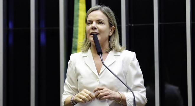 """Gleisi Hoffman denuncia o que chama de """"armação"""" contra Lula na Lava Jato"""