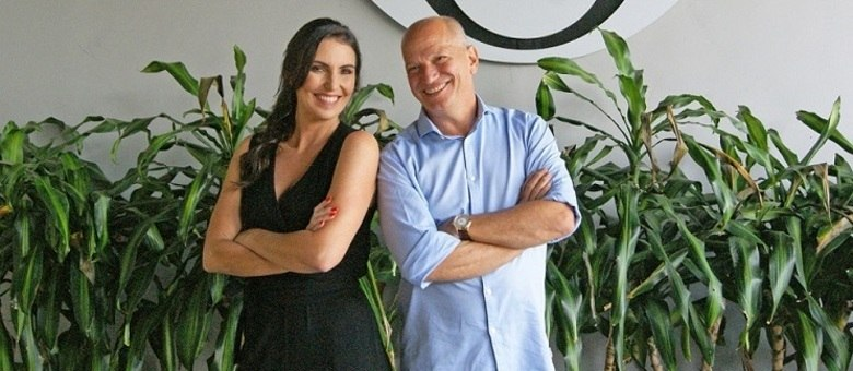 """Glenda Kozlowski e Elia Jr., apresentadores do """"Show do Esporte"""""""