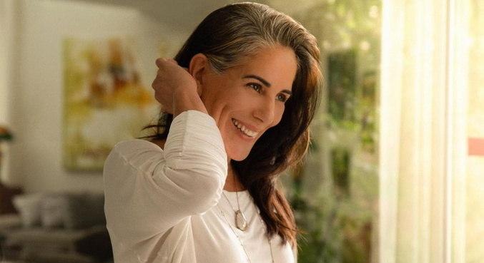 Gloria Pires agora só responderá contatos por outros meios, sem ser aplicativos