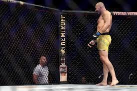 Após a vitória, Glover cobrou de Dana White o direito que é seu. Disputar o cinturão