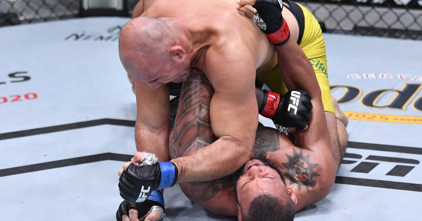 Glover Teixeira venceu Marreta, de forma impressionante. Jiu-Jitsu impecável