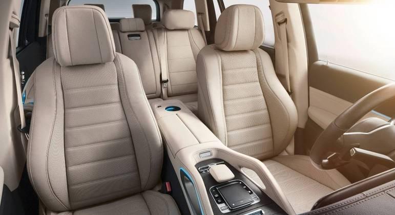 Interior permite várias configurações dos bancos para aumentar ou reduzir espaço do porta-malas