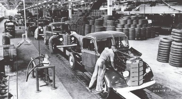 GM já fabricou caminhões, ônibus, carrocerias, peças e até geladeiras para a marca Frigidaire