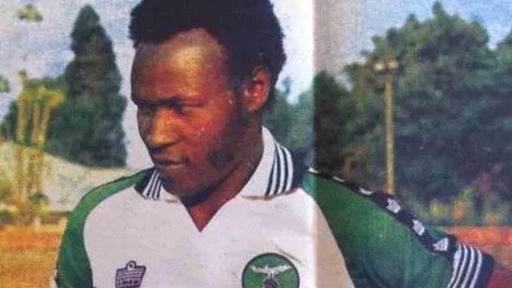 Godfrey Chitalu atuou pela Zâmbia entre 1968 e 1980, e fez um total de 111 partidas. Nestes jogos, o ex-atacante marcou um total de 79 gols