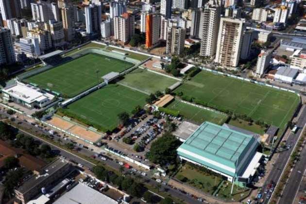 Goiás - CT Edmo Pinheiro: Tem o nome do descendente direto dos fundadores do clube, do qual já foi vice-presidente e ainda hoje é conselheiro