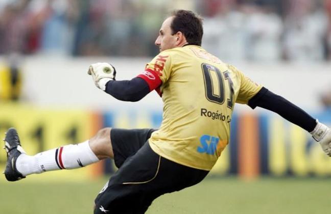 Gol 100 - É simplesmente impossível começar essa galeria com outro gol. Em 27 de março de 2011, na partida entre São Paulo e Corinthians, na Arena Barueri, Ceni marcou seu tão almejado centésimo gol, após bela cobrança de falta.