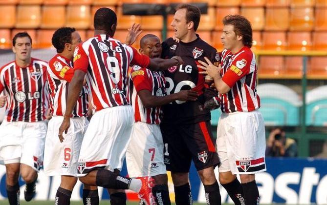 Gol na estreia de Paulo Autori - Na primeira partida do treinador que foi campeão da Libertadores pelo Tricolor, Rogério Ceni abriu o placar para uma goleada por 5 a 1 contra o Corinthians.