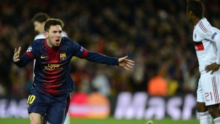 Goleador máximo em casa durante uma temporada em partidas oficiais. Somando todas as competições, Messi marcou 46 gols no Camp Nou na temporada 2011/12.