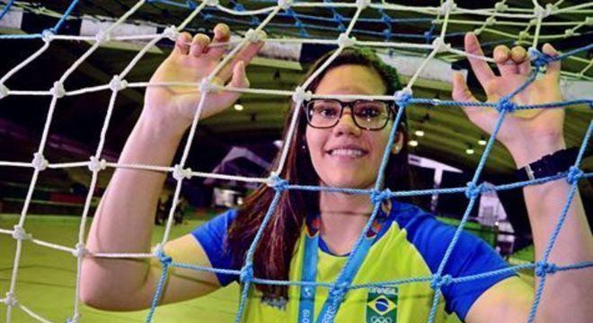 Goleira Renata Arruda e técnico Cristiano Rocha participarão de treinos e amistosos preparatórios para a Olimpíada