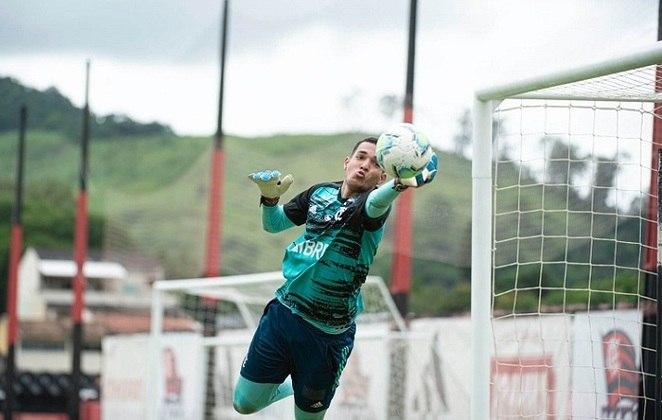 Goleiro - Bruno Guimarães (18 anos)