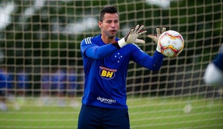Goleiro: Fábio - Idade: 40 anos - Clube: Cruzeiro