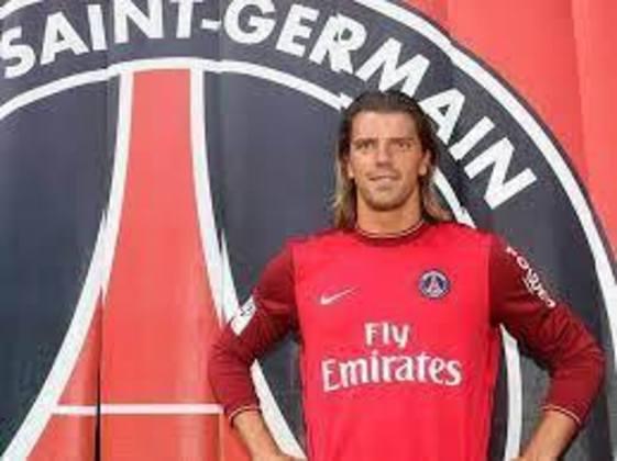Goleiro: Grégory Coupet (francês) - 38 anos na época - camisa 1 - atualmente aposentado como jogador