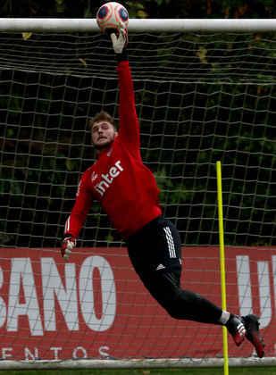 Goleiro Lucas Perri, reserva imediato de Volpi, entrou no time durante a ausência dele.