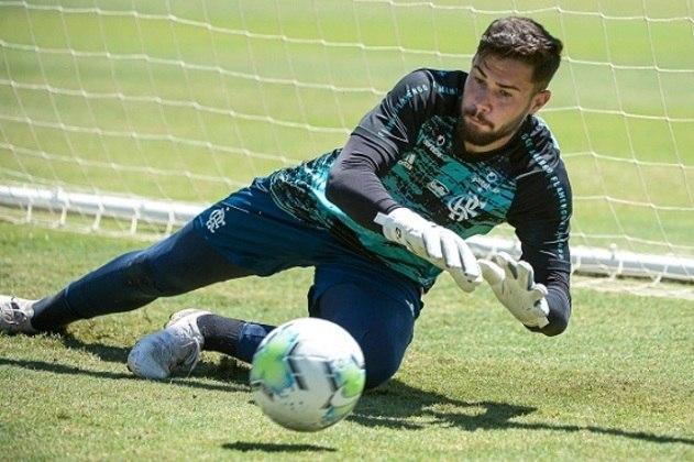 Goleiro - Matheus Cunha (19 anos)