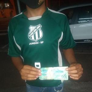 Alguns dias depois da venda, o adolescente descobriu que o dinheiro era falsificado