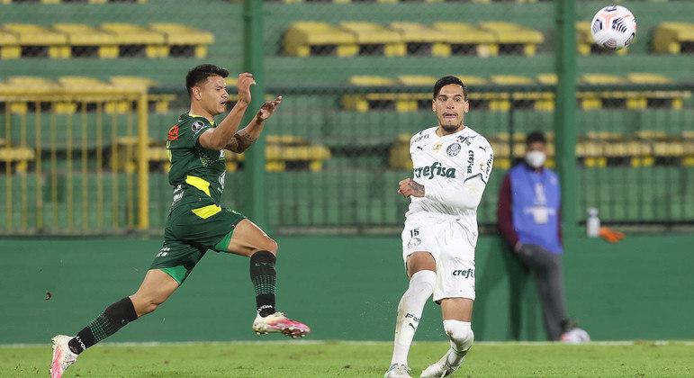 Gustavo Gómez fez outra firme partida na Argentina. E deverá ser poupado amanhã