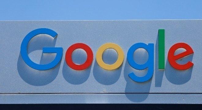 Google deve abrir negociações com editoras na França