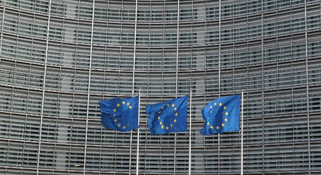 Gigantes da tecnologia foram repreendidos pela Comissão Europeia