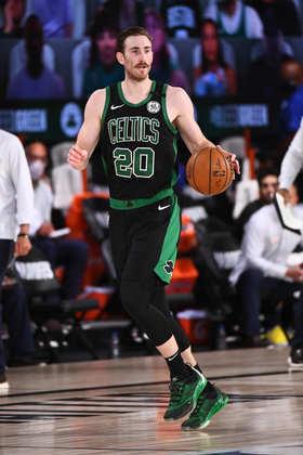 Gordon Hayward (Boston Celtics) 6,0 -  Uma lesão no tornozelo durante o quarto período pode ser um problema para Hayward. Ele atuou por 34 minutos, produzindo 12 pontos, quatro rebotes e quatro roubadas