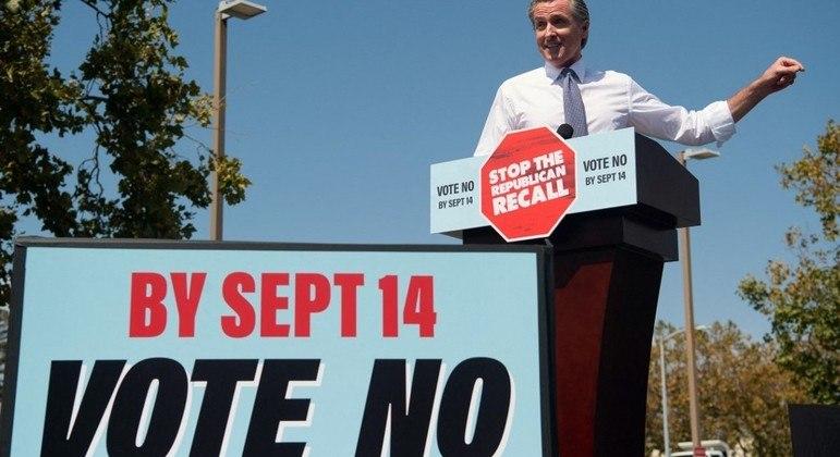 """O governador da Califórnia, Gavin Newsom, pede para que população vote """"não"""" em recall"""