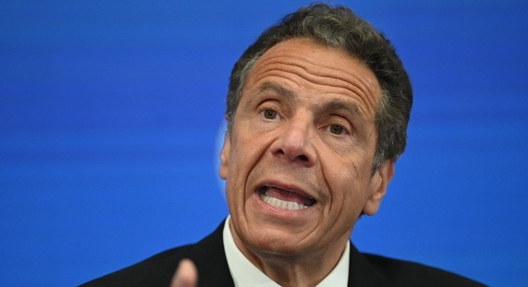 Governador de Nova York, Andrew Cuomo, acusado de assédio por 11 mulheres