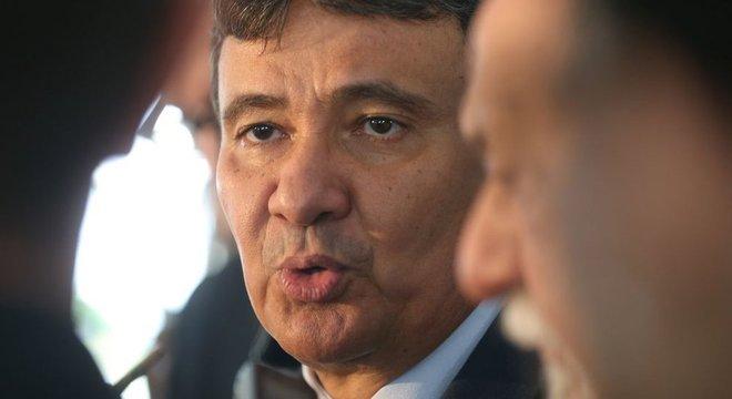 Wellington Dias tenta articular em Brasília proposta alternativa para resolver rombo nos regimes de aposentadoria