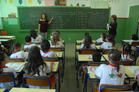 Professores podem fazer aulas online