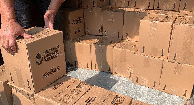 Governo entrega 2 mil cestas básicas
