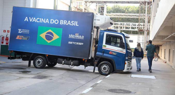 Governo paulista recebe novo lote de insumos para produzir a CoronaVac