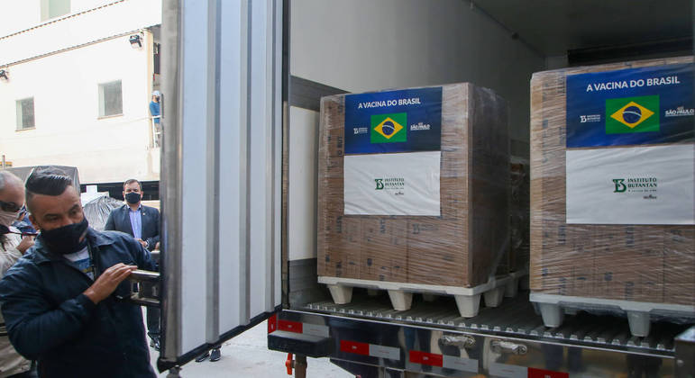 SP libera mais dois milhões de doses da CoronaVac ao ministério da saúde