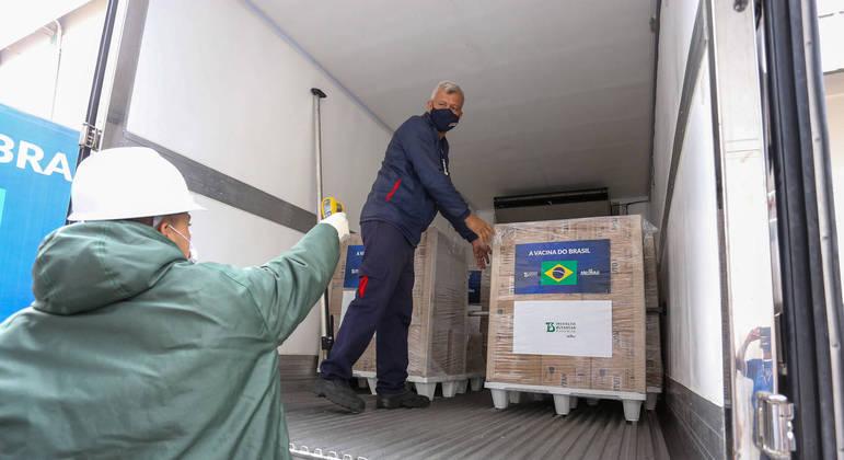 Novas doses da CoronaVac são liberadas para Ministério da Saúde